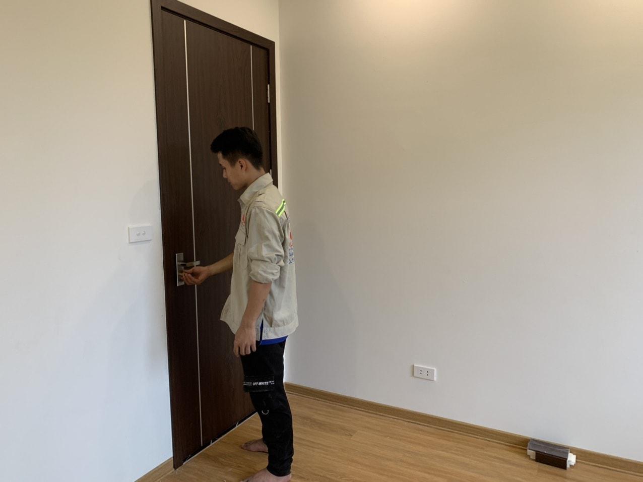 Báo giá cửa nhựa Composite vân gỗ 2020 [ Trường Sinh Door ]-4