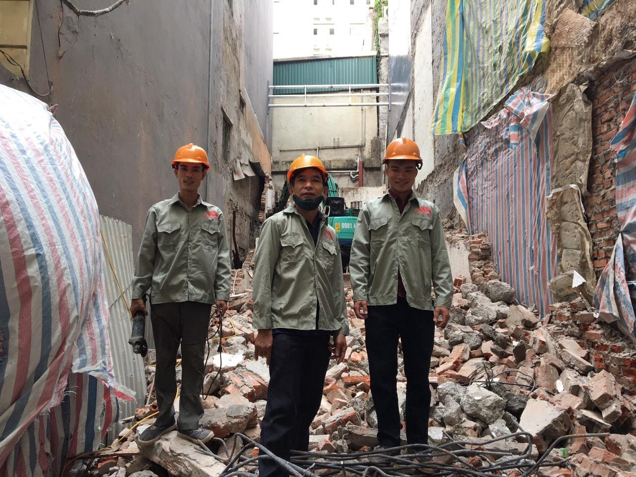 Báo giá phá dỡ nhà cũ tại Hà Nội [Update T5/2020 XD Trường Sinh]